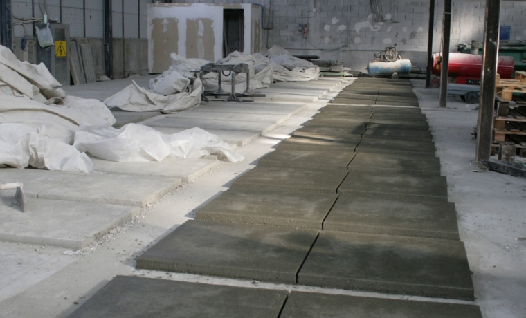 Cps manufatti prefabbricati in cemento grigle in cemento for Arredo giardino in cemento